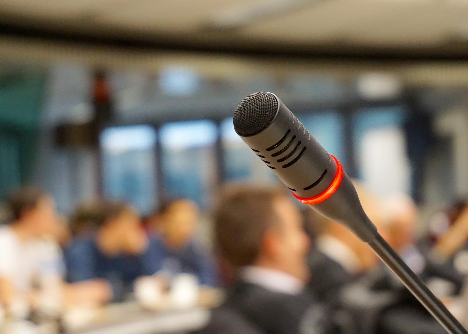 microphone-704255_1920(リサイズ)